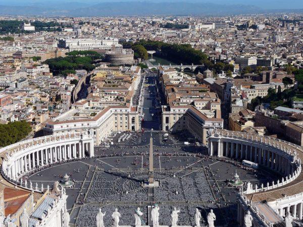 Архитектурный ансамбль площади святого Петра в Ватикане